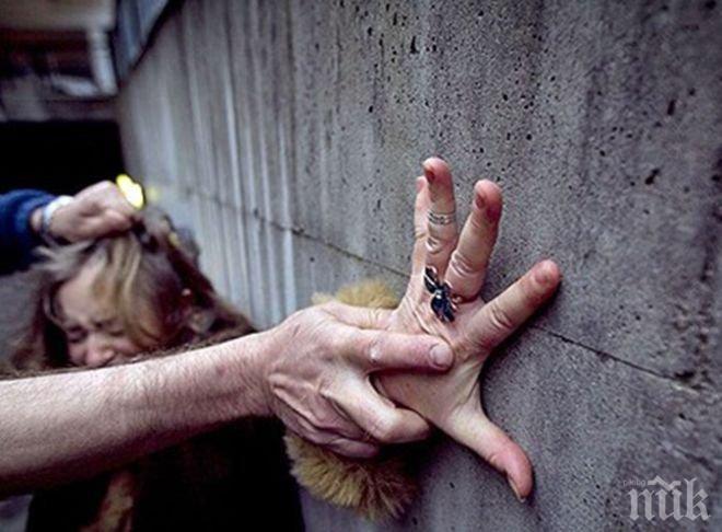 Разведен тормози жени – дебне и… хваща за врата!