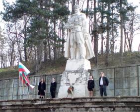 Поднасяне на венци в Крумовград на 3-ти Март