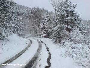 Пътят към хижата през зимата